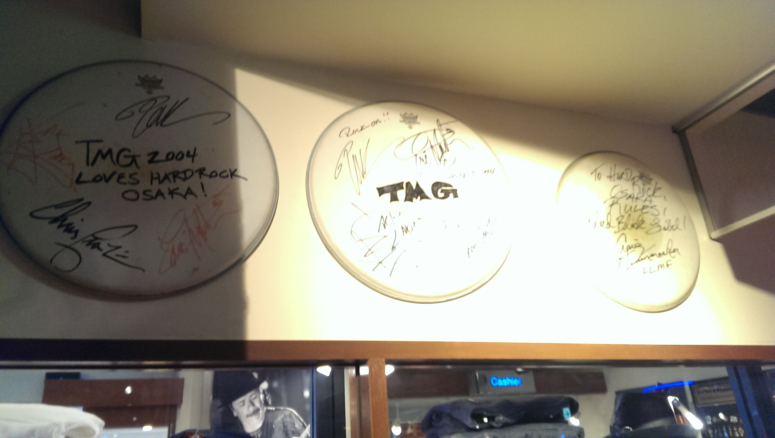 Autographs by TMG members
